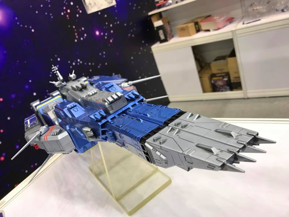 Robotech SDF-1 space fortress lands at winter toy show